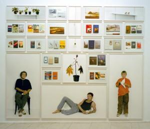"""Bibliothek I"", 2000, 325 x 398 cm, s-w-Barytpapier koloriert und Ilfochrome, Edition 2"