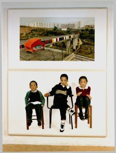 Olaias (Lissabon) / Ricardo, David, Maria, 2004, 244 x 194 cm, s/w-Barytpapier koloriert, Edition 2