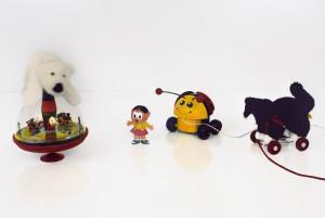 Stilleben mit Spielzeug, 2007, 62 x 94 cm, s-w-Barytpapier koloriert, Edition 2