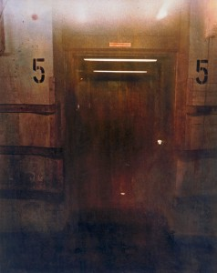 Aufzug Nr. 5, Bahnpost Frankfurt, ca. 1988, 50 x 60 cm, s-w-Barytpapier koloriert.