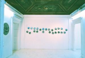 "Marseille Luminy, 1990, 24 x 24 x 24 x 5 cm, s-w-Barytpapier koloriert Ausstellung ""Galerie Calibre 33"", Nizza, 1991"