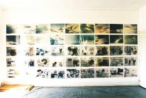 Wolken/Zeitungen, 64 x 40 x 58 cm, 1991/92, s-w-Barytpapier koloriert, Edition 2, Atelieransicht Lissabon 1992/93