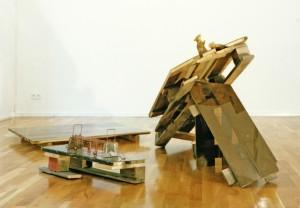 """""""Silver surfing"""", 1993, Größe variabel, Holz, Metall, Acrylglas, Wachs, Mondsteine"""
